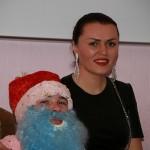 Дед Мороз со Снегурочкой в центре для наркозависимых